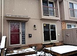 726 Oak Brook Ridge - Rochester Hills