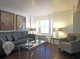 Fountainbleau Apartments - New Orleans