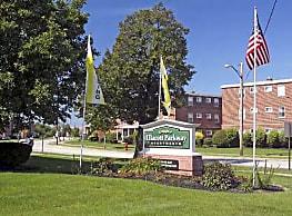 Ellacott Parkway Apartments - Warrensville Heights