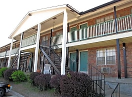 Carriage House East - Louisville