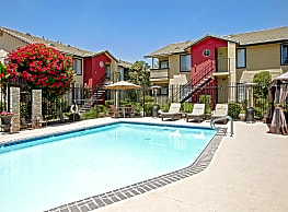 Whispering Meadows Apartments and Suites - Bakersfield
