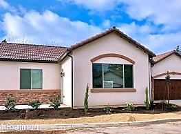 2 br, 2 bath House - 1652 W. Bullard Ave. 6011 N. - Fresno