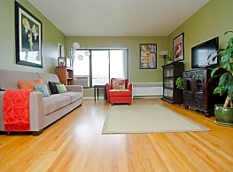 Amber Square Apartments and Townhomes - Lansing