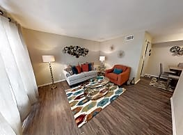 Maple Trail Apartments and Townhomes - Pasadena