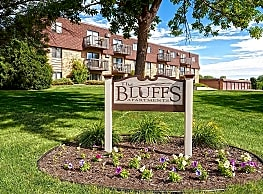 The Bluffs Apartments - Monticello