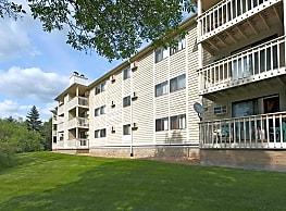 Southampton Apartments - Minnetonka