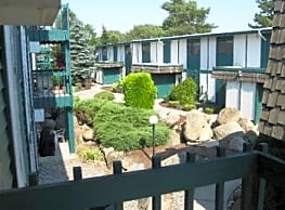 Conveniently Located Condo! Walking trail along Sp - Spokane