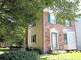 Charming 3bd/3.5bth End Unit Townhouse! - Fairfax