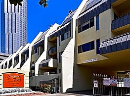 Augusta Court Mid-Rise - Houston