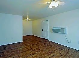 Fox Valley Apartments - Lawton