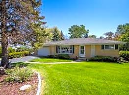 Lakewood House of YOUR Choice - Lakewood
