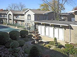 Courts of the Fountains - Des Plaines