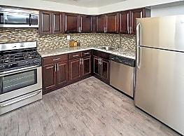 Sherwood Crossing Apartments & Townhomes - Philadelphia