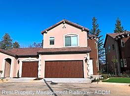 3 br, 2.5 bath House - 1652 W. Bullard Ave. 6045 N - Fresno