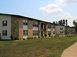 Woodfield Circle Apartments - Wausau