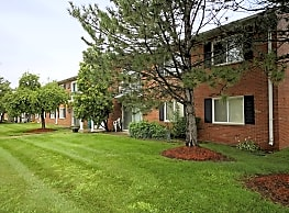 Franklin Square Apartments - Livonia