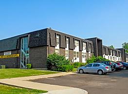 Arlington Village Townhomes and Flats - Fairborn