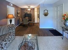 Lincoln Park Apartments - Corona