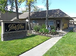 Park Place Apartments - Turlock