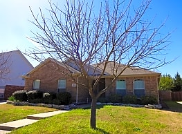 This 3 bed and 2 bath home has 1,810 square feet o - Rockwall