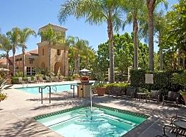 Villa Coronado - Irvine