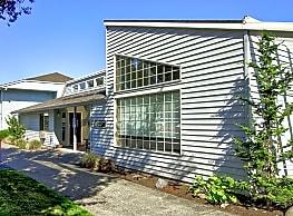 Sandstone Manor - Portland