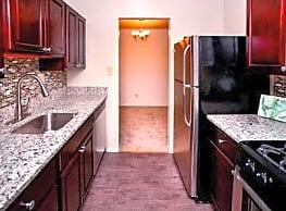 Ross Ridge Apartment Homes - Rosedale