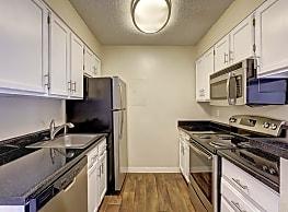 Huntington Apartments - Lakewood
