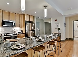 Midd-Town Apartments - Middletown