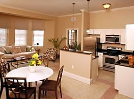 Chestnut Green Apartments - Foxboro