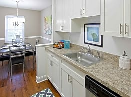 Parkview Apartments - Naugatuck