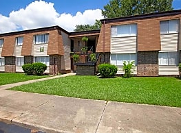 Woodley Oaks Apartments - Montgomery