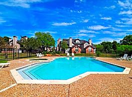 Walden Pond Apartments - College Station