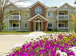Crown Pointe Apartments - West Des Moines