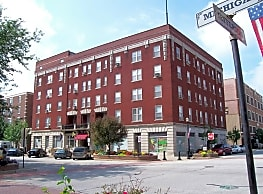 Rumely Historic Apartments - La Porte