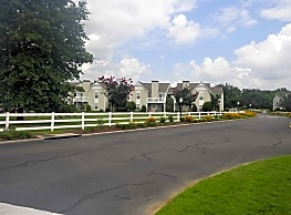 The Oaks Of Dunlop Farms - Colonial Heights