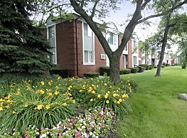 Carriage Park - Dearborn Heights