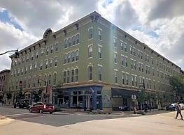 Lahr Apartments - Lafayette