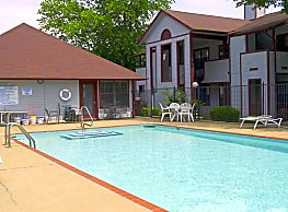 Brook valley apartments little rock ar 72227 for Public swimming pools in little rock ar