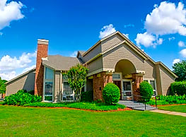 Sheridan Pond Apartments And Guest Suites - Tulsa