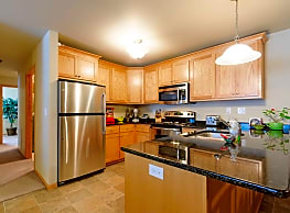 Stonewood Apartments - Grand Forks