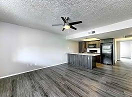 Solano Park Apartments - Phoenix