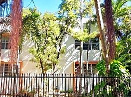 Charming 1 Bedroom 1 Bath Meridian Ave Apartment - Miami Beach