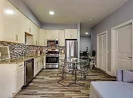 424 Whiton Street Luxury Apartments - Jersey City