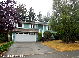 4 br, 2 bath House - 15220 SE 179th St - Renton