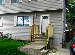 Newly updated 3 bedroom Duplex in South Des Moines - Des Moines