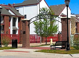 Midtown Place Apartments - Wichita