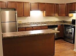 Springtree Apartments - Middleton