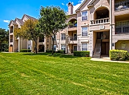 St. Moritz Apartments - Dallas