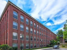 Hayward Landing Apartments - East Douglas